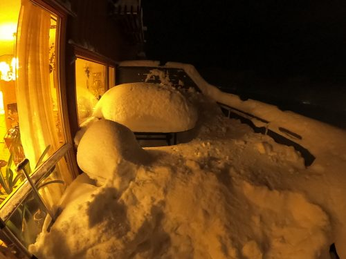 Verandra full av snø