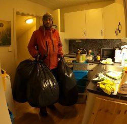 Altmuligmannen i Tromsø kaster hjelper å bære, kjøre og kaste bort søppel og avfall. Vaktmester og handyman tjenester